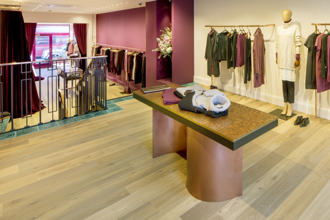 Hakwood True flooring with view store