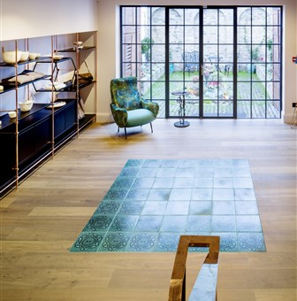 Hakwood True flooring with view from stairs