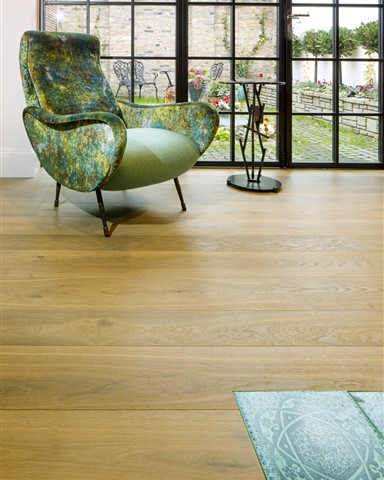 Hakwood True flooring in seating area