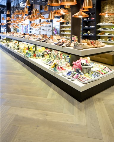Hakwood True flooring with product display