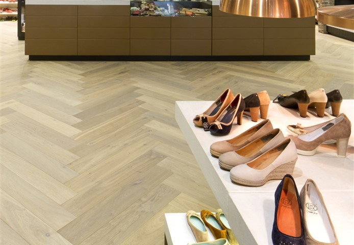 Hakwood True flooring with checkout counter