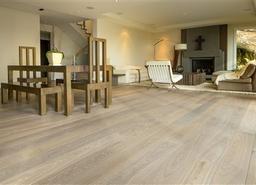 Private Residence Canada contains Hakwood True flooring
