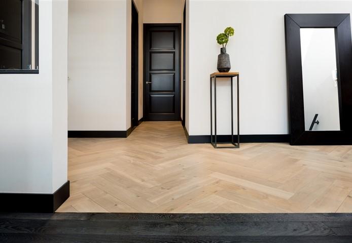 Hakwood Muse and Grimm flooring at entrance hall