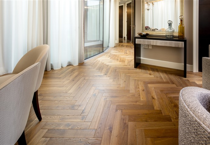 Hakwood Promise flooring in the dining room