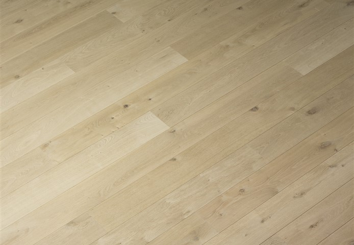 Hakwood Misty flooring