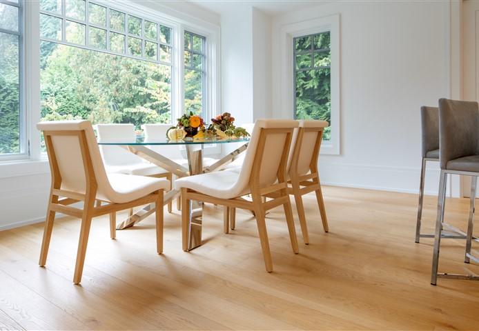 Hakwood Flourish flooring at dining room