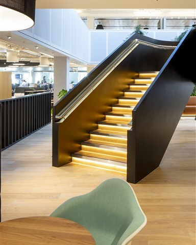 Hakwood Savoy flooring at central space with staircase