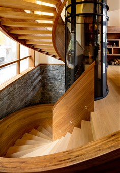 Hakwood Grotto flooring at staircase