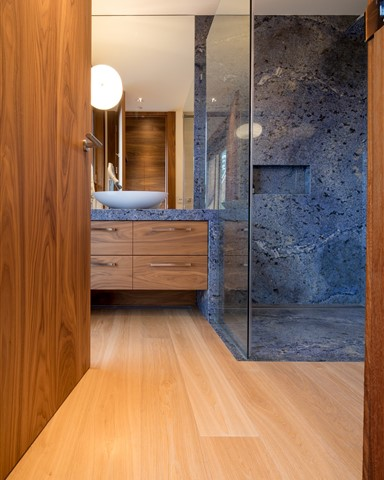 Hakwood Grotto flooring in bathroom