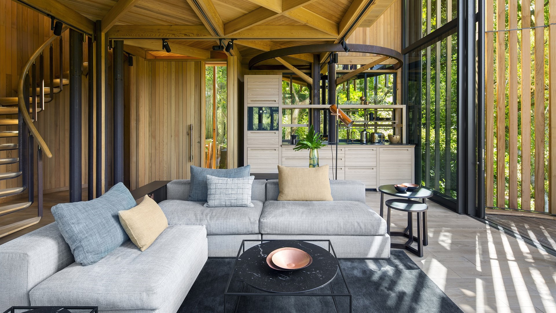 Tree house in Cape Town, South Africa contains Hakwood Lithe flooring.