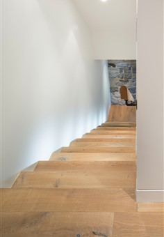 Hakwood Savoy flooring at staircase