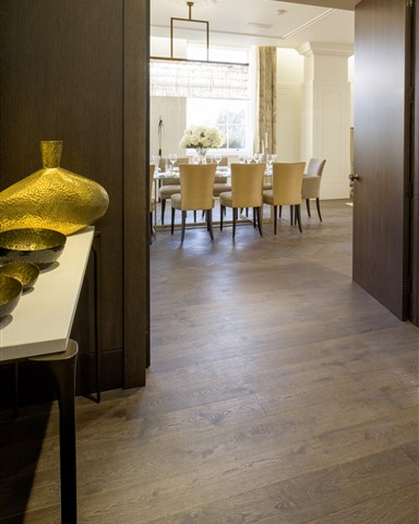 Hakwood Harmony flooring at dining room doorway