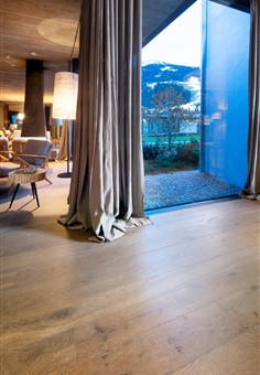 Hakwood HV465 flooring with view