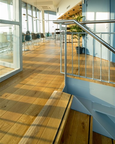 Hakwood Original flooring at staircase