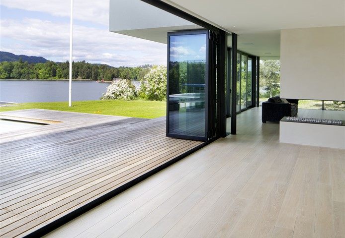 Hakwood Unfinished flooring with view