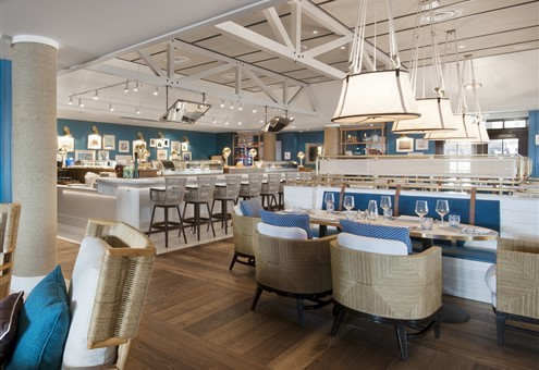 The Seaside restaurant contains Hakwood Loyal Brushed flooring