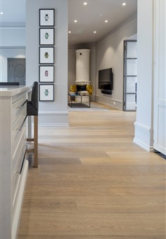 Hakwood Valor flooring in kitchen