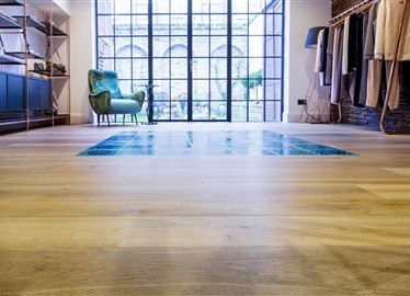 WtR Londen with Hakwood True flooring